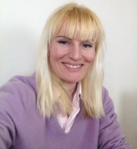 Paola Dziwetzki lilac sweater